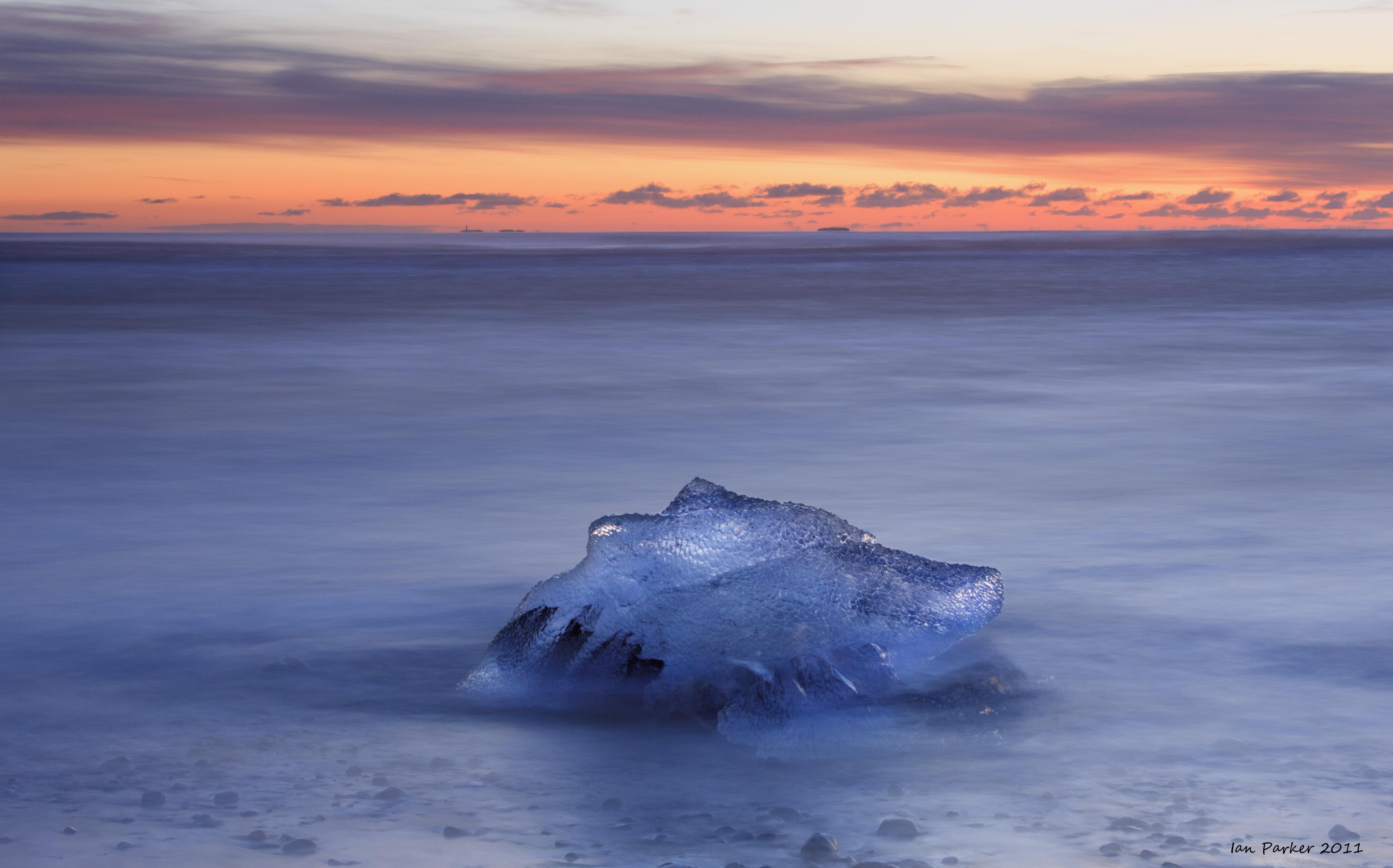 Evanescent Light : Iceland - Sea