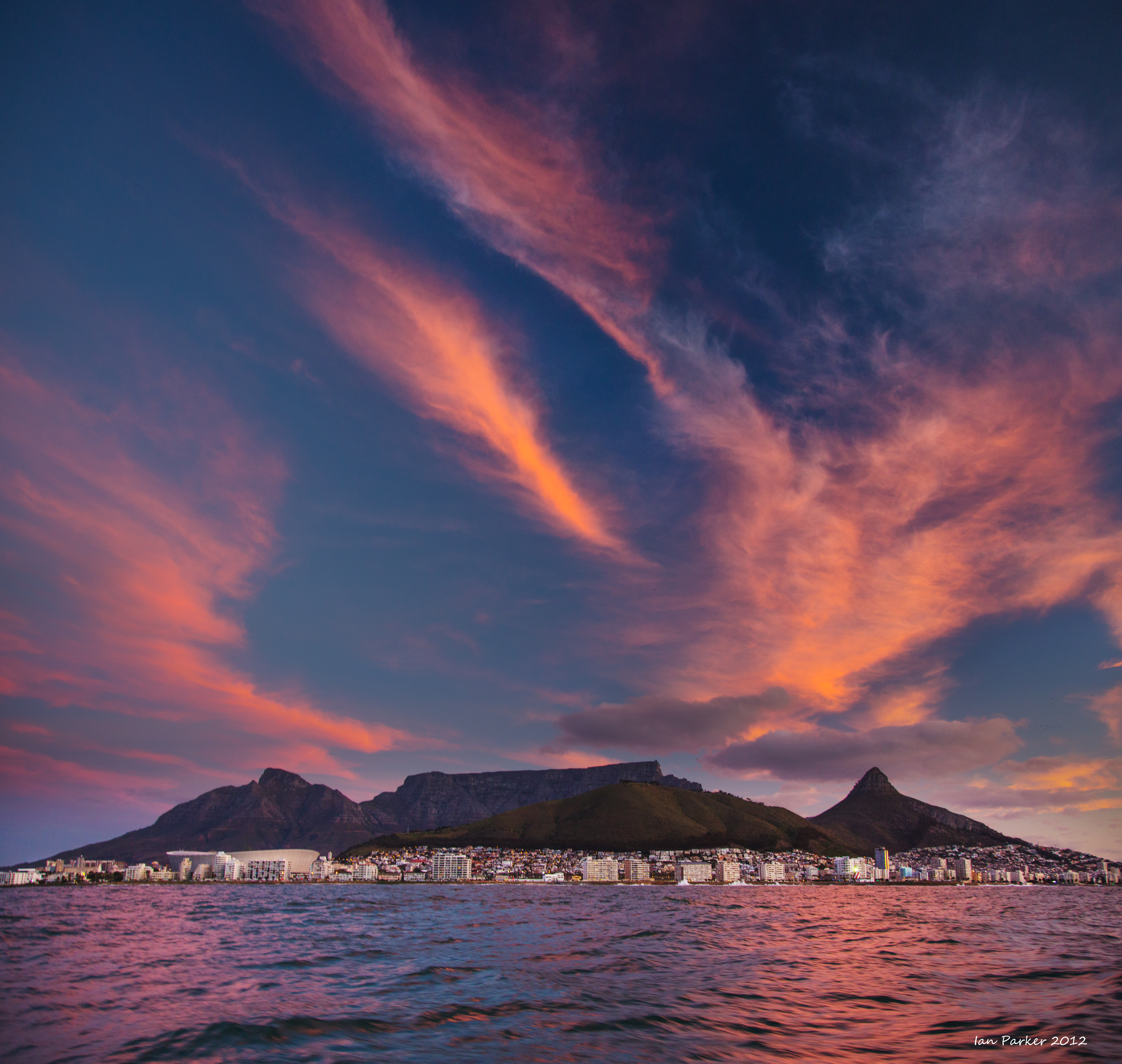 & Evanescent Light : Cape Town
